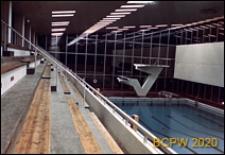 Hala sportowa, wnętrze, widok z trybuny na basen, Narvik, Norwegia