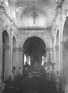 Kolegiata Zmartwychwstania Pańskiego i św. Tomasza Apostoła w Zamościu. Wnętrze