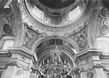 Kościół św. Antoniego z Padwy na Czerniakowie w Warszawie. Wnętrze