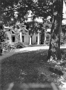 Portyk dworu Ksawerego Pusłowskiego na Ksawerowie w Warszawie