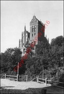 Kościół parafialny pw. Przemienienia Pańskiego. Widok od strony południowo-zachodniej z 1918 roku. Iława