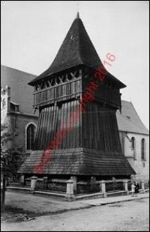 Dzwonnica drewniana przy kościele św. Mikołaja. Widok z 1933 roku. Bochnia