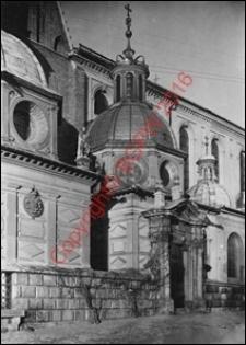 Kaplica Zygmuntowska na Wawelu. Widok zewnętrzny z przed 1939 roku. Kraków