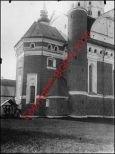 Cerkiew obronna Zwiastowania NMP. Widok boczny od strony absydy z przed 1939 roku. Supraśl