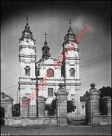 Kościół parafialny pw. św. Ludwika. Widok od strony fasady frontowej z przed 1939 roku. Włodawa