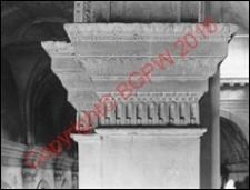 Katedra Zmartwychwstania Pańskiego i św. Tomasza Apostoła. Wnętrze. Pilaster. Widok z przed 1939 roku. Zamość