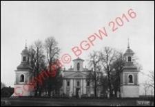 Kościół pw. Trójcy Świętej. Widok ogólny od strony fasady głównej z 1914 roku. Sosnowica