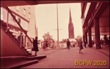 Dwupoziomowe przejście dla pieszych, fragment ze schodami, Coventry, Anglia, Wielka Brytania