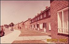 Domy szeregowe jednopiętrowe, widok zewnętrzny, Crawley, Anglia, Wielka Brytania