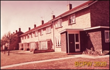 Zabudowa mieszkaniowa szeregowa jednopiętrowa, Crawley, Anglia, Wielka Brytania