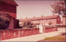 Fragment osiedla, domy jednopiętrowe, Crawley, Anglia, Wielka Brytania