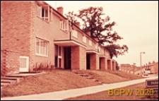 Osiedle mieszkaniowe, domy jednopiętrowe w zabudowie szeregowej, Harlow, Anglia, Wielka Brytania