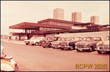 Stacja kolejowa Harlow Town railway station, parking, Harlow, Anglia, Wielka Brytania