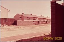 Fragment zabudowy mieszkaniowej, widok od strony ulicy, Hatfield, Anglia, Wielka Brytania