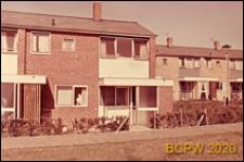 Fragment zabudowy mieszkaniowej, domy jednopiętrowe, Hatfield, Anglia, Wielka Brytania