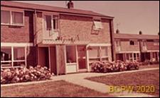 Fragment zabudowy mieszkaniowej, wejście do domu, Hatfield, Anglia, Wielka Brytania