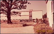 Szkoła II stopnia dla chłopców, trzykondygnacyjny gmach szkoły, Hatfield, Anglia, Wielka Brytania