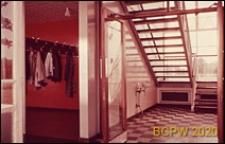 Szkoła II stopnia dla chłopców, wnętrze hallu i szatni, Hatfield, Anglia, Wielka Brytania