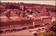 Śródmieście, widok z góry, ciąg sklepów wzdłuż ulicy, Hemel Hempstead, Anglia, Wielka Brytania