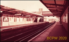 Stacja kolejowa na terenie portu lotniczego, Gatwick Aiport, Anglia, Wielka Brytania
