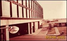 Dworzec lotniczy, fragment elewacji budynku, Gatwick Aiport, Anglia, Wielka Brytania