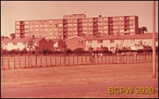 Blok mieszkalny wielopiętrowy, widok zewnetrzny, Stevenage, Anglia, Wielka Brytania