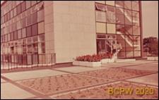 Biurowiec, fragment budynku, widok od strony dziedzińca, Stevenage, Anglia, Wielka Brytania