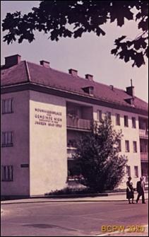 Osiedle mieszkaniowe zbudowane w latach 1949-1950, fragment zabudowy, Wiedeń, Austria