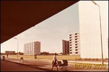 Osiedle mieszkaniowe Nygårdsparken, bloki mieszkalne, widok z podcienia, Kopenhaga, Dania