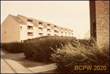 Osiedle mieszkaniowe, czterokondygnacyjna zabudowa mieszkaniowa, widok zewnętrzny, Kopenhaga, Dania