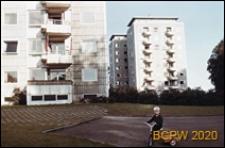 Osiedle mieszkaniowe Bellahøj, punktowce, widok od strony podwórka, Kopenhaga, Dania