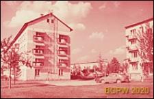 Osiedle Czeremuszki, czterokondygnacyjne budynki mieszkalne, widok od strony podwórka, Moskwa, Rosja