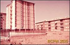 Osiedle mieszkaniowe INA-Casa, punktowiec, widok zewnętrzny, Rzym, Włochy