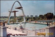 Park Śląski, Kąpielisko Fala, basen z wieżą do skoków i trybunami, obok basen sportowy, Chorzów
