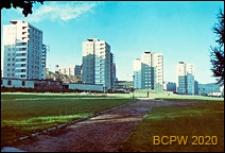 Śródmieście, osiedle mieszkaniowe w trakcie budowy, wieżowce, widok od strony chodnika, Gdynia