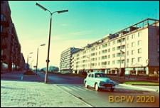 Śródmieście, budynki mieszkalne z parterem handlowo-usługowym, widok od strony ulicy, Gdynia