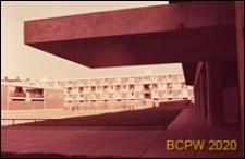 Osiedle LCC, podcień budynku, Londyn, Wielka Brytania