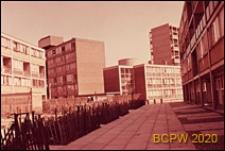 Bloki mieszkaniowe LCC, widok od strony dziedzińca międzyblokowego, Londyn, Wielka Brytania