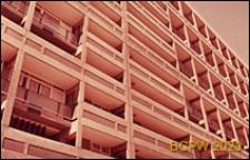 Blok LCC, fragment elewacji bloku mieszkalnego wielopiętrowego, Londyn, Wielka Brytania