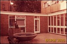 Dom dla seniorów (Sorel House), dziedziniec wewnętrzny, Londyn, Wielka Brytania