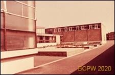 Szkoła średnia zawodowa, pływalnia, widok zewnętrzny, Londyn, Wielka Brytania