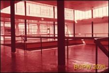 Szkoła drugiego stopnia Bayswater Secondary School, wnętrze szkoły, Londyn, Wielka Brytania