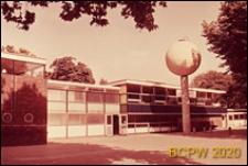 Szkoła pierwszego stopnia Bousfield Primary School, pawilon klasowy, widok zewnętrzny, Londyn, Wielka Brytania
