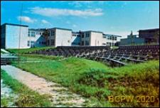 LSM, Osiedle Mickiewicza, Szkoła podstawowa nr 29 im. A. Mickiewicza, widok od strony boiska, Lublin