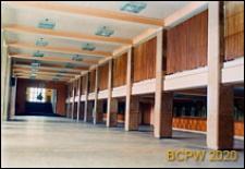 """Hala Sportowa Miejskiego Ośrodka Sportu i Rekreacji (MOSiR ) przy ulicy ks. Skorupki 21, dawniej """"Pałac Sportu"""", hall z szatniami, Łódź"""