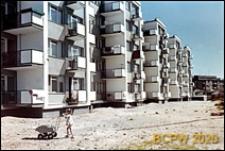 Osiedle mieszkaniowe Przymorze, budynki mieszkalne pięciokondygnacyjne z ciągiem balkonów, Gdańsk-Przymorze