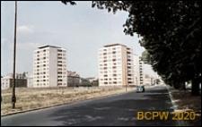Osiedle mieszkaniowe, wieżowce przy szosie, Gdańsk-Oliwa