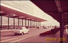 Port lotniczy Paryż-Orly, podjazd pod budynek główny, Francja