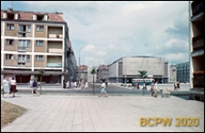 Śródmieście, Stary Rynek, Kino Millenium, ulica Kowalska, czterokondygnacyjny budynek mieszkalny z parterem handlowo-usługowym, Słupsk
