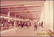 Port lotniczy Paryż-Orly, wnętrze hallu pierwszego piętra z widokiem na antresolę, Francja